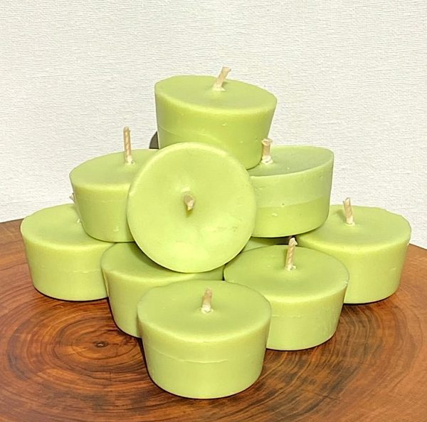 Ten Lime, Lemongrass and Cedarwood pure soy Votives burn brightly for a total of 80 hours with an invigorating, citrus-fresh appeal.
