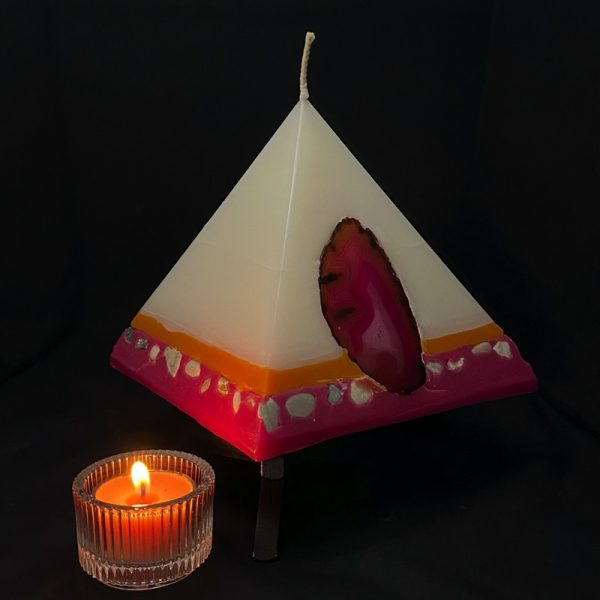 Nefertiti: mid size in our pyramid range burning for over 150 hours.
