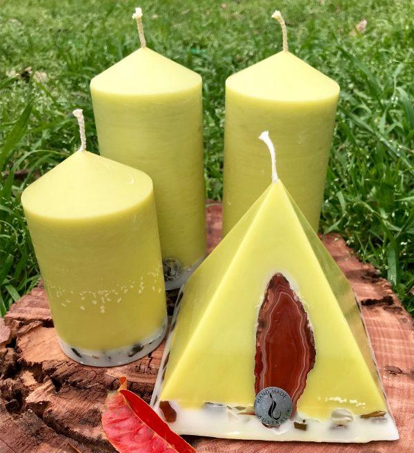 Lime Lemongrass and Cedar-wood, fresh and invigorating. Integrity Candles photo.