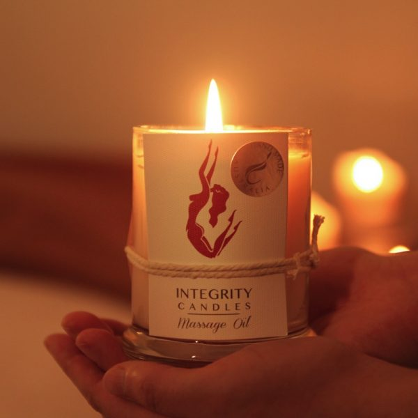 Allow your candle to burn for twenty minutes to bring the oil to body temperature.